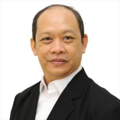 SOSOK: Dr Irwansyah, Assosiate Researcher dari Research Center Media Goup (RCMG). (ISTIMEWA/LINGKAR.CO.ID)