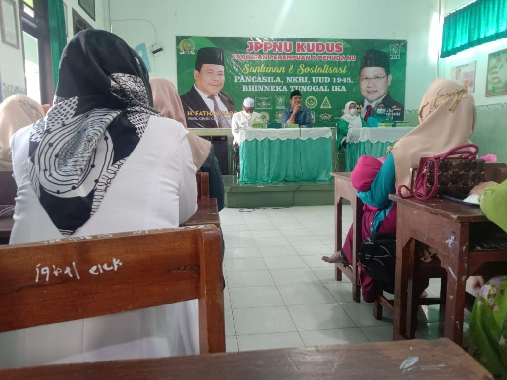 Suasana Penyelenggaraan acara santunan anak yatim bersama JPPNU Kabupaten Kudus memperingati hari kesaktian pancasila. Lingkar News Network/Lingkar.co